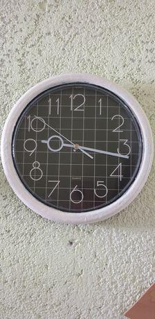 Zamienie lustro i zegar