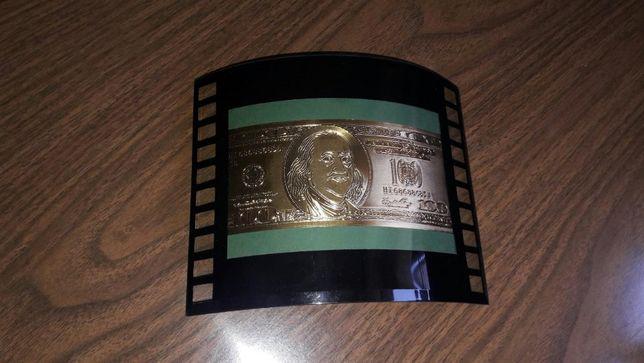 Сувенирная фоторамка с золотыми 100 долларами Рамка с купюрой в стекле