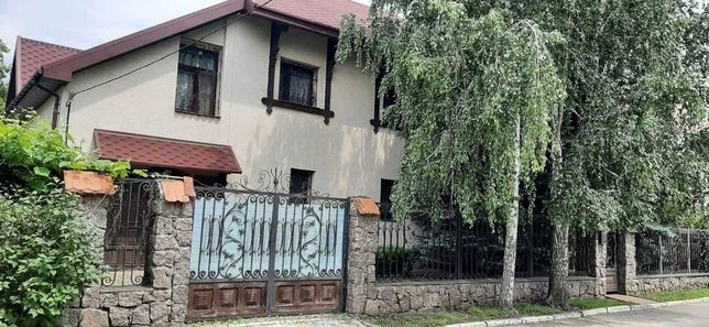 Продам дом в начале Лелековки.