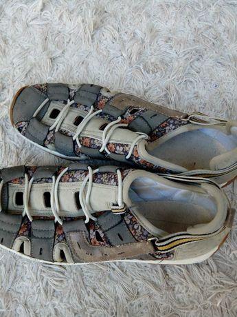 Sprzedam sandały damskie r.38