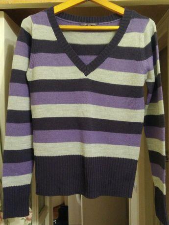 Свитер женский в фиолетовых тонах