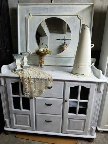 Komoda biała przecierana z lustrem kremowym