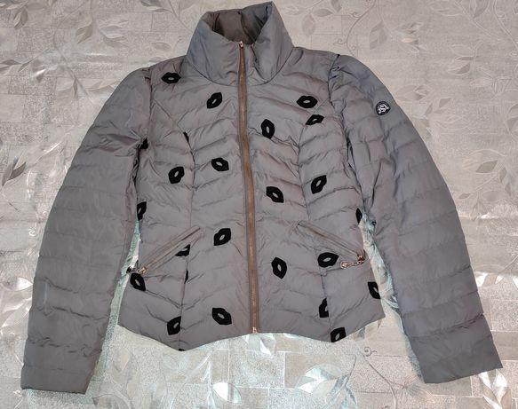 Курточка деми, демисезонная, губки, поцелуйчики