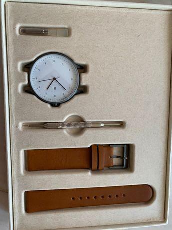Наручные кварцевые часы Instrmnt 01-A