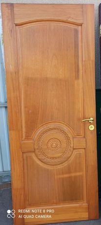 Двері  в гарному стані