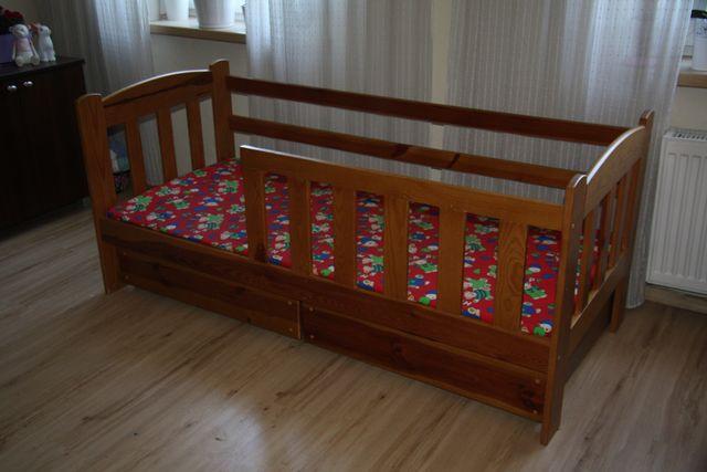 Drewniane łóżko dziecięce z materacem 70x160