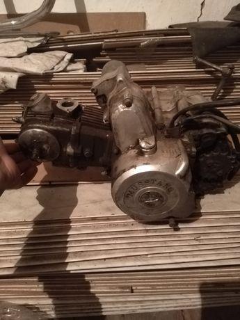 Продам или поменяю двигатель мустанг - альфа 72 куб.