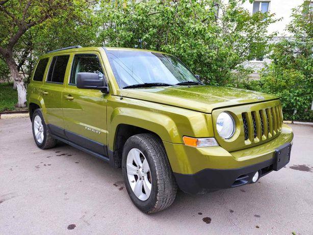 Jeep Patriot Latitude 2012 механика 2.0 газ/бензин