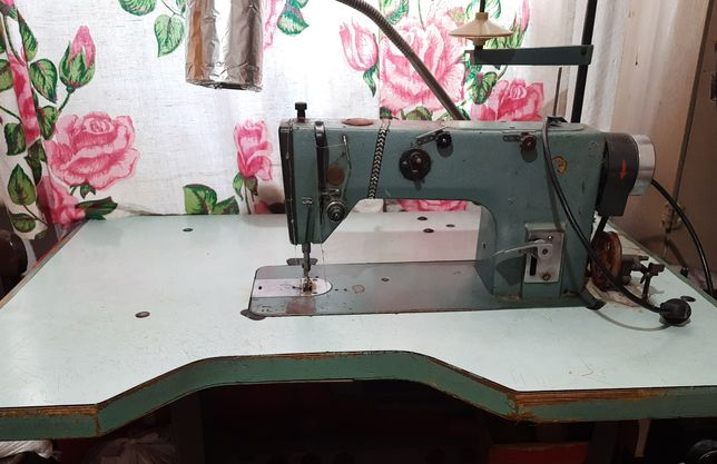 Швейная машина М1022