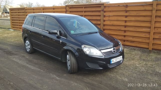 Продам Opel Zafira 2010