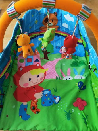 Tapete didático para brincadeiras de bebe