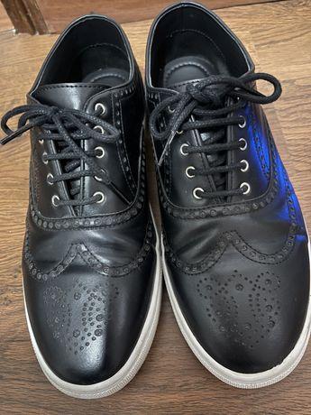 Sapatilhas Zara homem pretos
