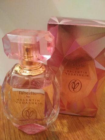 Парфумована вода від Валентина Юдашкіна-троянда
