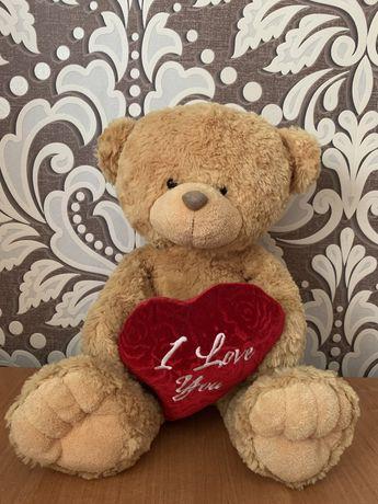 Ведмедик із сердечком