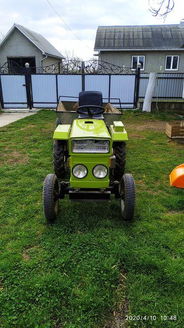 Мото трактор з прицепом