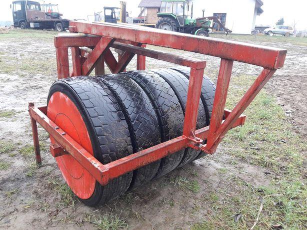 Wał gumowy na przód do traktora, obciążenie 700kg max