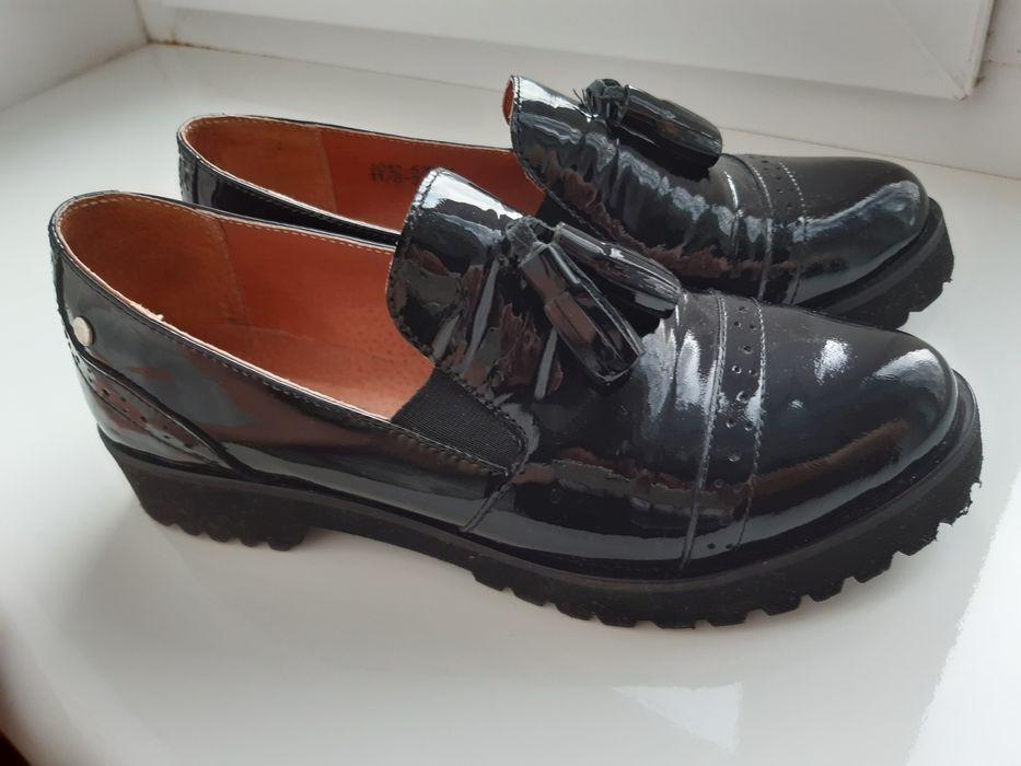 Туфли (лоферы) лак 37 р. Житомир - изображение 1