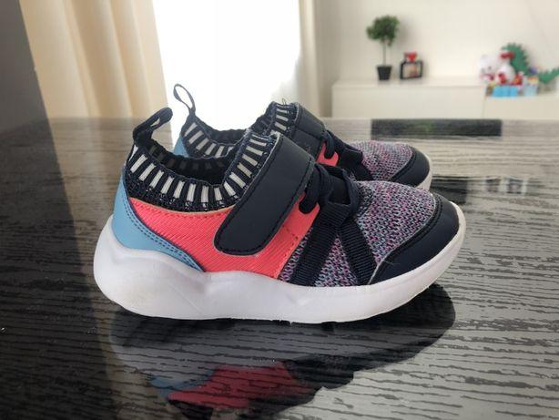 Кросівки (кроссовки) для дівчинки 25 розміру