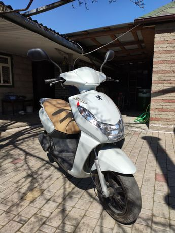 Продам скутер Peugeot Пежо