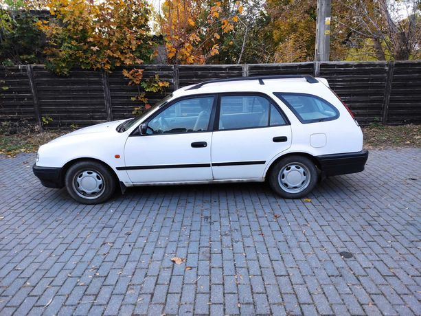 Sprzedam Toyotę Corolle 1.4