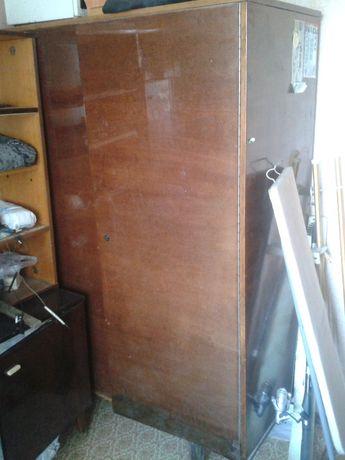Продам шкаф шифонер сервант производство СССР диван кресло польша