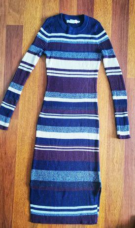 Фирменное вязанное  платье рубчик  H&M