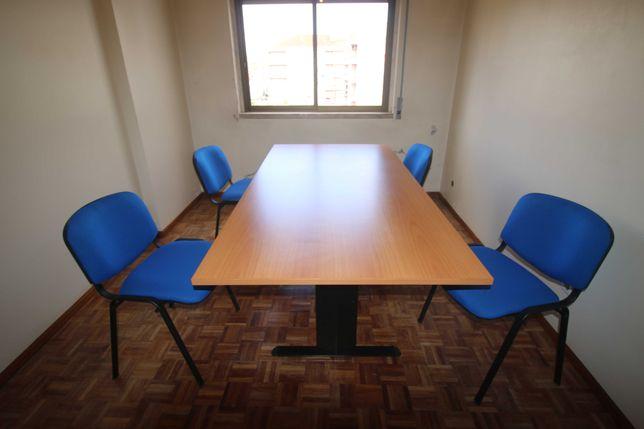 Mesa e cadeiras de escritório (novo preço, mais baixo)