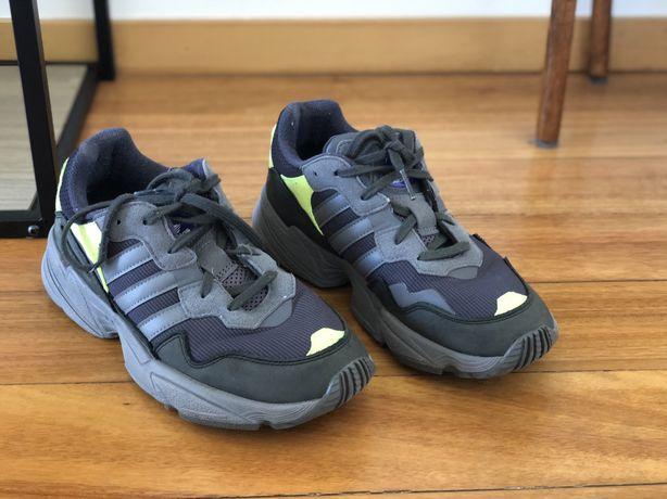 Sapatilhas adidas yung 96
