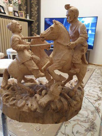 Скульптура деревянная антикварная