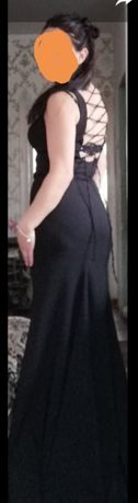 Продам гарну класичну чорну сукню