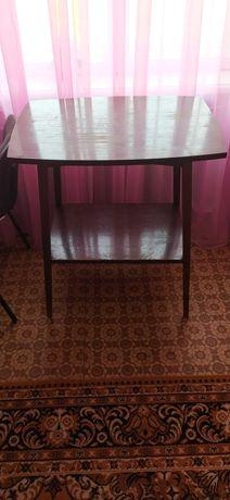 Очень срочно продам стол