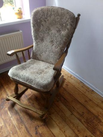 Fotel debowy bujany