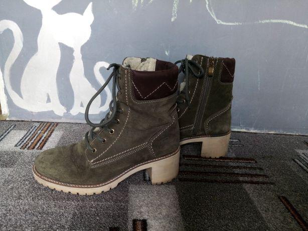 Женские ботинки теплые (39 размер)
