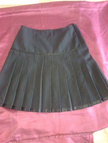 Plisowana czarna spódnica