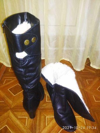 Продам женские кожаные собоги