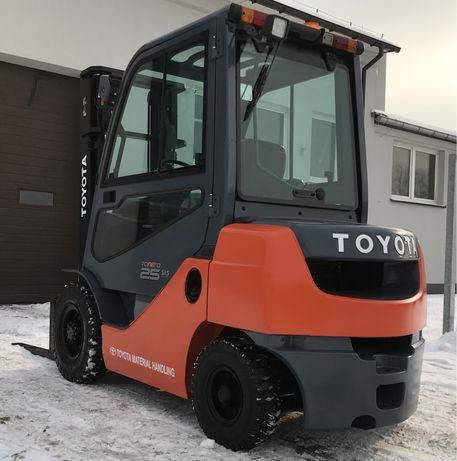 Wózek widłowy TOYOTA 8FDF25, 2015r Diesel