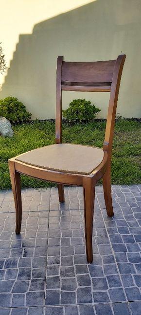 Cadeiras em madeira de Cerejeira