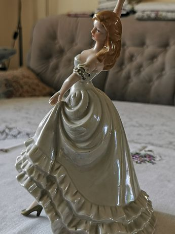figurka dama porcelana