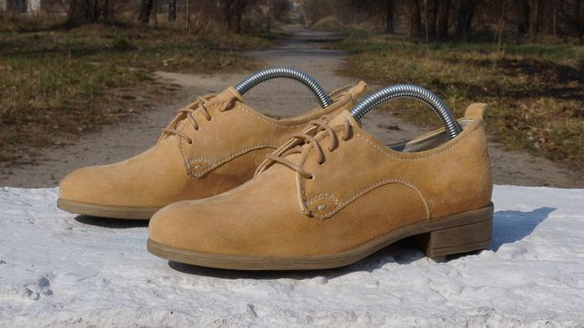 Жіночі туфлі, ловери, мокасіни Bata