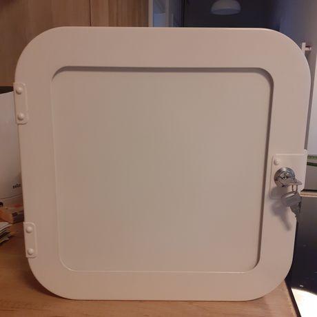 Biała, metalowa szafka Ikea
