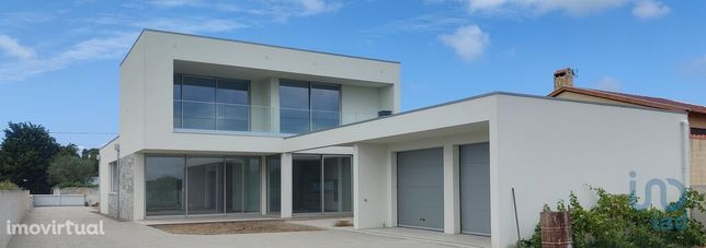Moradia - 355 m² - T3