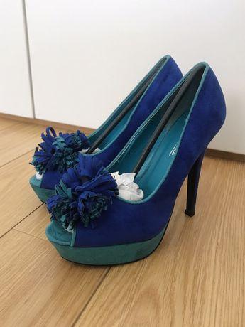 Sapatos salto alto azuis (37)