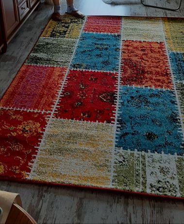 Nowoczesny nowy dywan