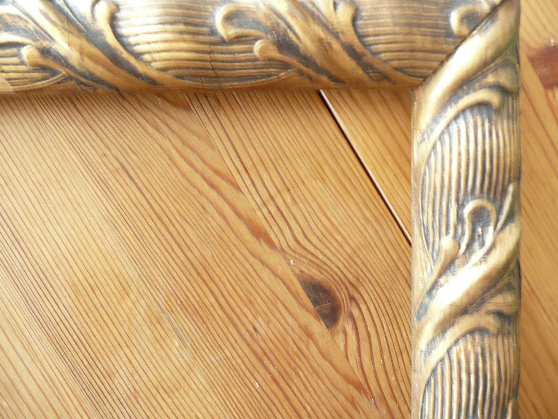 Stylizowana rama drewniana zdobiona kolor stare złoto