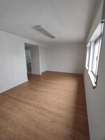 Sala para escritório - Damaia