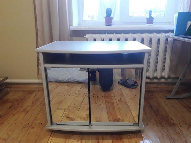 Продаємо якісний і гарний столик!Ціна-800грн!Львів!