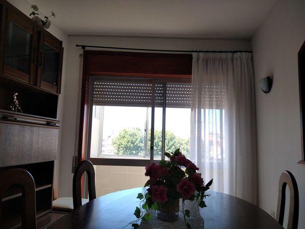 Apartamento T2 +3  dois andares perto mar a 200 m praia e casino