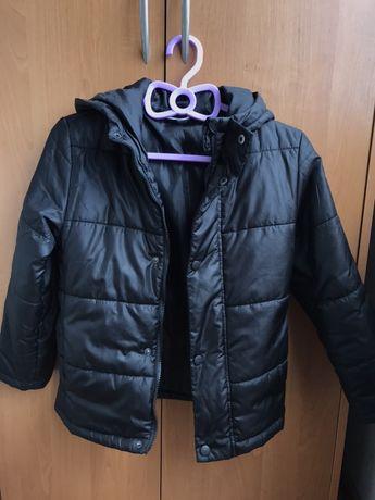 Черная куртка для мальчика