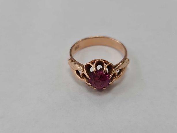 Piękny złoty pierścionek/ Radzieckie 583/ 4.26 gram/ R15