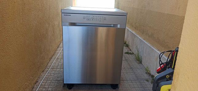 Máquina de Lavar Loiça Samsung DW60M5010FW - Para peças.